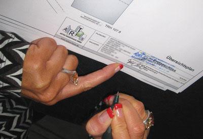 Rund 35 Unterschriften waren für den Bauantrag nötig...